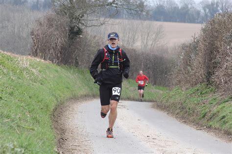 runner plodding